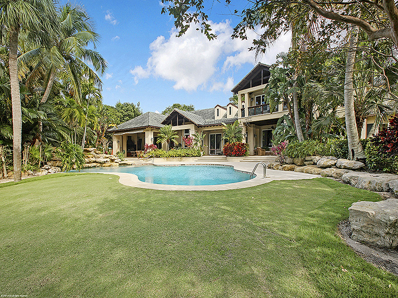 Single Family Home for Sale at Waterside Estate Showcases Exquisite Craftsman Style Home Jupiter Island, Florida,33455 United States