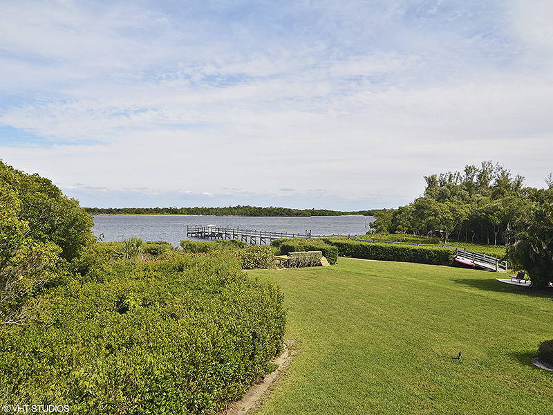 Additional photo for property listing at Sophisticated Design Captures Spectacular Water Vistas - Loblolly Bay  Hobe Sound, Florida,33455 United States