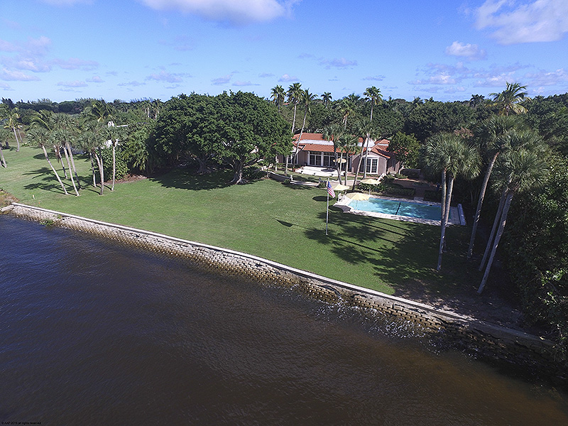 Additional photo for property listing at Once-in-a-Lifetime Jupiter Island Waterfront Paradise  Jupiter Island, Florida,33455 United States