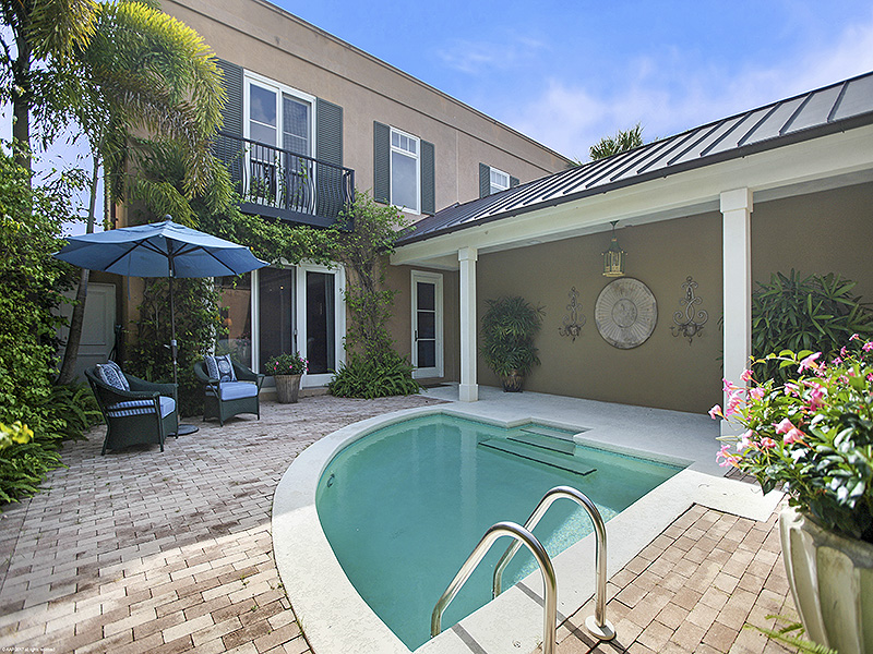Single Family Home for Sale at Stylish Bridgetown Beauty - Hobe Sound Hobe Sound, Florida,33455 United States