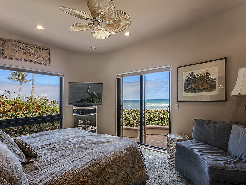 Additional photo for property listing at AMAZING OCEANFRONT RESIDENCE - VIEWS BEYOND COMPARE  Jupiter Island, Florida,33455 United States