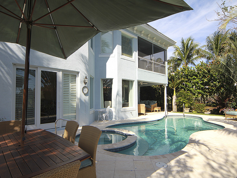 Additional photo for property listing at Exquisite Home Surrounded By Tranquil Nature Preserve Views  Jupiter Island, Florida,33455 United States